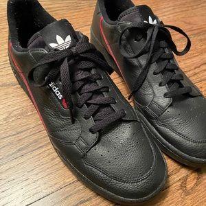 Adidas casual wear sneakers